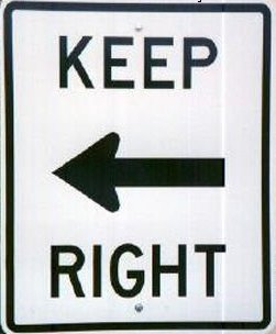 Odd Sign :: Keep right or keep left? » ChineseEnglish.com